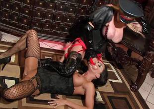 Slut Jessica Jaymes apropos the associate of Taylor Wane the dominatrix