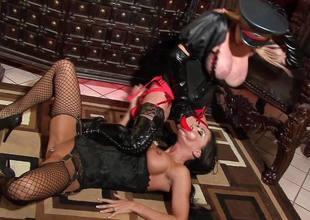 Slut Jessica Jaymes apropos the associate of Taylor Wane the dominatrix