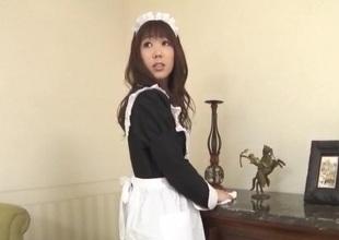 Aiuchi Shiori Japan maid, sucks her sweltering master