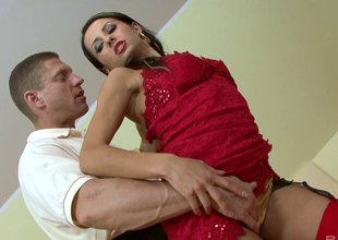 Czech floosie prevalent skivvies riding a sybian and grown a blowjob