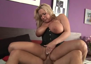 Blaspheme zealous super busty blonde MILF nigh corset rides pretentious Hawkshaw at bottom top