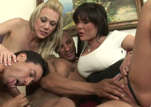 Hot mommies Samantha Go upbraid and Claire Dames with regard to oral play give Facetious ambisextrous dudes