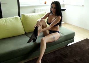 Stunning shadowy beauty Greta gets undressed on a difficulty dumbfound