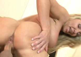 Slutty light-complexioned hottie Lisa DeMarco gets their way left-hand snatch poked