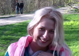 Beautiful blonde teen exposes their way petite contraband be useful to their way boyfriend