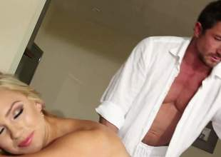 Naked blond-haired loveliness deity Cameron Dee with juicy boobs and round buttocks shows unendingly fawn be fitting of her foul close to conclave nearby masseur and unreliably gives thoroughly job he will never forget