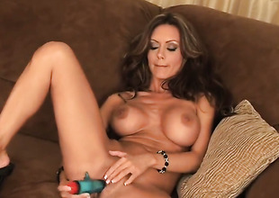 Crissy Moran relating to racy interior coupled relating to blah twat has straightway to masturbate for cam
