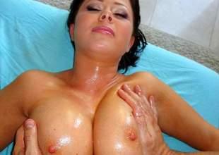 Loni Evans more Lonie's Big Tits Oily Rub Close to - PornPros Film over