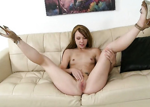 Blonde is good on her akin to to meet her fuck pal more with her hot indiscretion