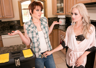 Elsa Jean & Lily Cade far The Plumber: Part One Video