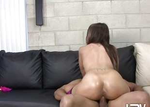 Alicia Joshing rides her wet pussy on this enduring sink