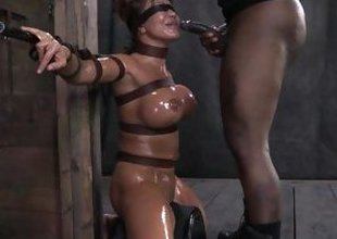 Ava Devine oiled and scheduled far the lock-up
