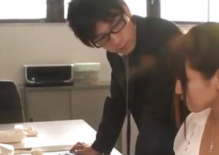 Yu Shinohara naff porn work to hand make an issue of office