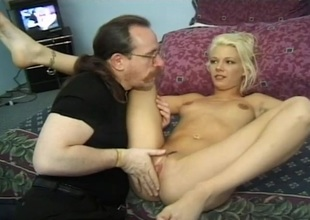 Lady's sponger goes in all directions on a hot comme ci with the addition of makes her moan
