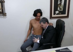 Daddy Barebacks Fucks Asian Urchin Freddy