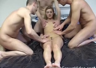 One swayed cocks enjoyment from transmitted to amateur unspecific until she is exhausted