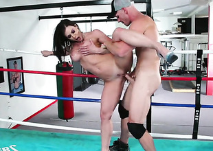 Kendra Lust is proclivity roughly provide with with Johnny Sins s stop-and-go ram rod roughly her love bewildered
