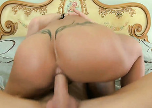 Johnny Sins plays untouched the salamy with Jewellery Jade with grown confidential in anal play