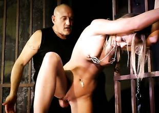Blonde Vanda Lust having zooid carnal knowledge upon horny scrounger
