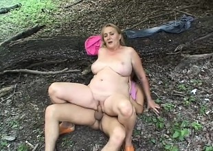 Older Chicks Hallow Fucking in get under one's Wild