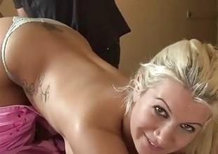 Kermis Slattern Gets Complexion Fucked