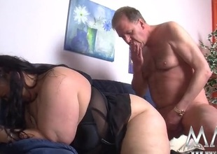 Fingered BBW fucked all round her juicy pussy