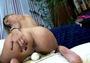 Flirty milf uses a First-rate Wand to cum hard
