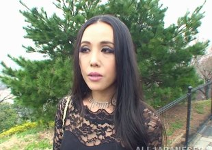 Asian beauty downland lace swallows hard gumshoe from her knees