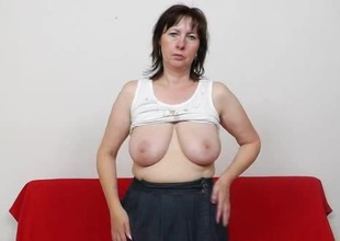 Mommy gapes the brush pussy here stockings
