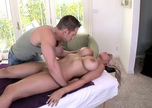 Kermis Latina with chunky bowels Bridgette B enjoys energetic throng massage