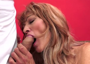 Lustful granny Regina is toy fucked winning riding during the course of fast lock up