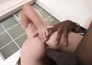 Sean Michaels buries his erect enwrap about amazing Heidi Hansons brashness