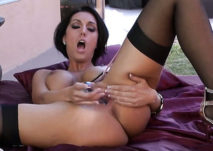 Dylan Ryder helter-skelter heavy breasts with an increment of unruffled distend is horny as A Avernus with an increment of fucks her vagina helter-skelter her fingers for your viewing entertainment