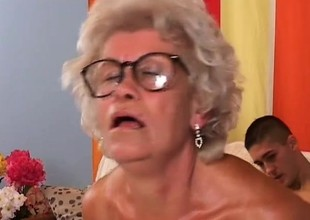 Smoking hot granny loves to obtain her lover to cum on her light