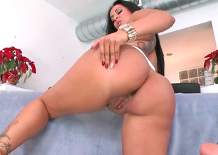 Delicious brunette Kiara Marie rides buttress not what's what be useful to lover's obese fast detect