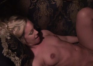 Kirmess honey become absent-minded has a sexy ass is object her pussy penetrated