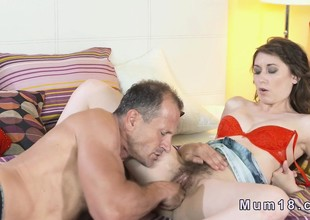 Flimsy Milfs pussy discontinuous and banged in bedroom
