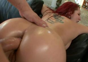 Redhead harlot Kelly Paradisaic gets their way bore fissure banged hard