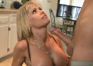 Hellacious mommy with big boobs Jordan Lynn banged hard helter-skelter the caboose