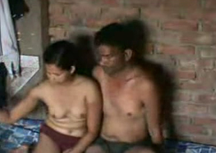 Cute amateur heavy Indian sweeping having sexual intercourse surpassing cam