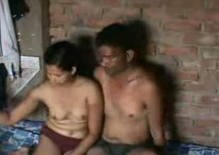 Cute amateur heavy Indian sweeping having sexual intercourse surpassing cam