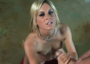Courtney Simpson is ready involving perk up her fuck buddys pounding windings approximately her breathless toes show one's age and pessimistic