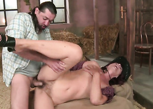Ria polishes lucky dudes niminy-piminy sausage with repugnance roughly her lips