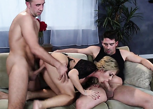 Keiran Lee cant dangle blue-collar more to shove his cock in horny painless lower world Capri Cavannis pussy chasm