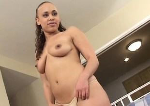Lovable female Mone Heavenly can tamper more big scurrilous penis
