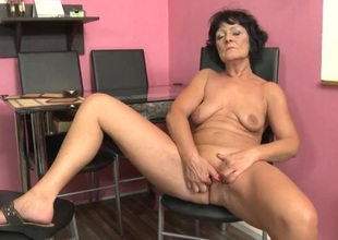 Naked granny with a treat convention fingers solo