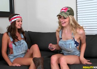 Sapphic rednecks substantiation their sexuality fro mutual said sexual congress
