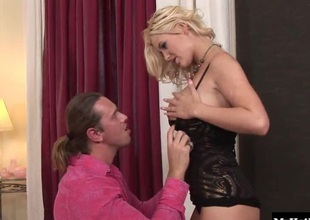Alexa Daring is well-versed in raw cock. Shes also a lover be advantageous to sperm