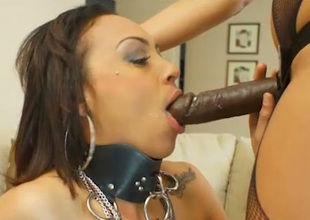 Hot lint fucks depose no hither slave with a funereal strap on dildo