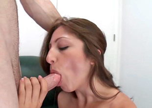 Pygmy Latina Alexa Rydell has her cunt drilled on a sofa